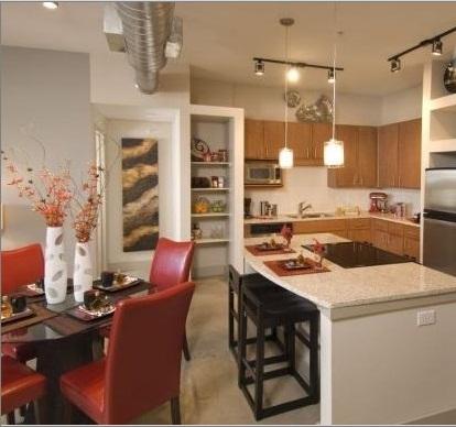 Alta Lakeshore Lofts Apartment Dining Area Lascolinas