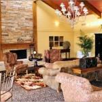 Chaparral Creek Apartment Living Room