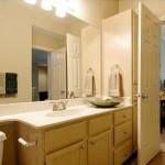 Jefferson Ridge Apartment Washroom