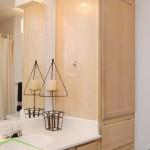 Oaks Hackberry Creek Apartment Bathroom
